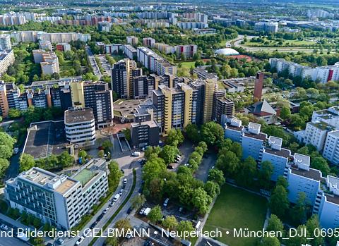 neuperlach.org.gelbmann.org zeigt ein Video vom Marx-Zentrum von Oben