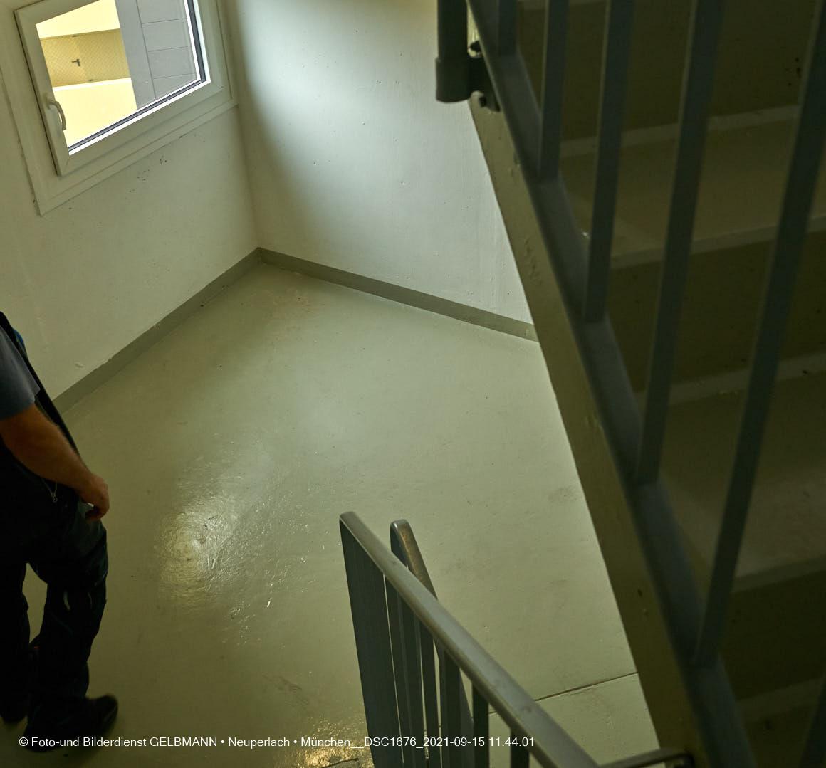 15.09.2021 - Treppenhaus-Sanierung im Marx-Zentrum in Neuperlach