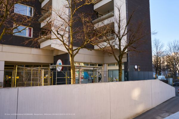 marx-zentrum-sanierung-fassadenplatten-photographed-by-gelbmann-2020-02-07-dsc96231B0BCBDD-F7A9-4C16-E0B4-E5FCA2EC9899.jpg