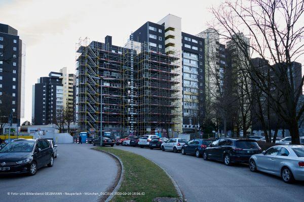 fassadensanierung-marx-zentrum-neuperlach-photographed-by-gelbmann-2020-02-20-16-06-42-dsc2531E653795E-744E-5775-EA3E-A2318A746898.jpg