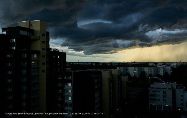 gewitterwolken-ueber-in-neuperlach-muenchen-photographed-by-gelbmann-date-jul-01-2020-time-19-38-18-dsc96153329B716-A43E-492A-F728-82EF4DCDB911.jpg