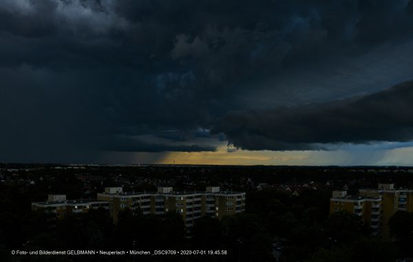 gewitterwolken-ueber-in-neuperlach-muenchen-photographed-by-gelbmann-date-jul-01-2020-time-19-45-58-dsc9709061FD53A-AFDF-23F6-75EB-728E2D7E1985.jpg