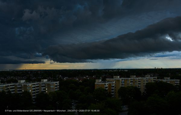 gewitterwolken-ueber-in-neuperlach-muenchen-photographed-by-gelbmann-date-jul-01-2020-time-19-46-00-dsc97121541D76A-DC7A-2463-B7A6-F764F4BA122E.jpg