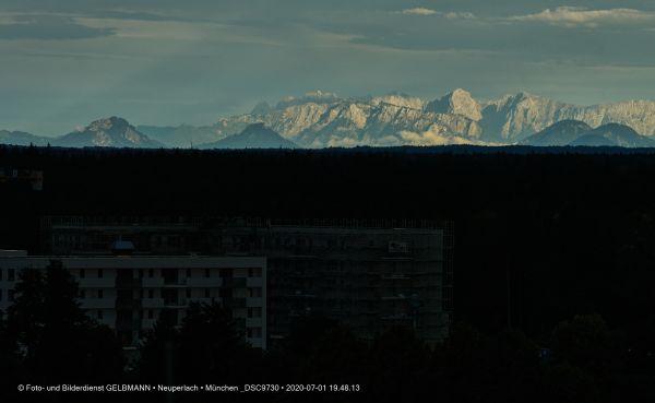 gewitterwolken-ueber-in-neuperlach-muenchen-photographed-by-gelbmann-date-jul-01-2020-time-19-48-13-dsc9730AAC49C7A-99D4-85C3-B4BD-9D7FF97E2DC4.jpg