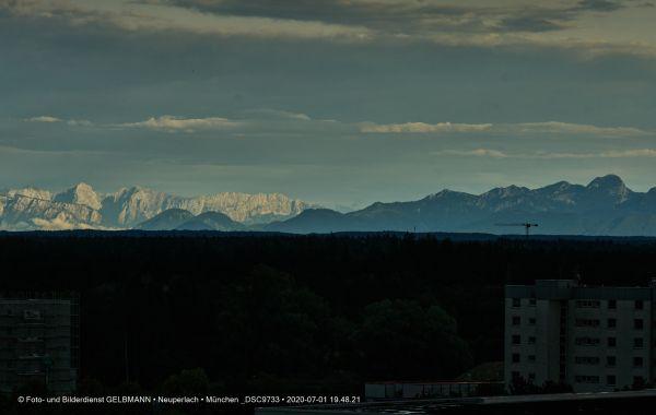 gewitterwolken-ueber-in-neuperlach-muenchen-photographed-by-gelbmann-date-jul-01-2020-time-19-48-21-dsc9733CBAA657B-91F0-2EBA-2971-4618287C8478.jpg