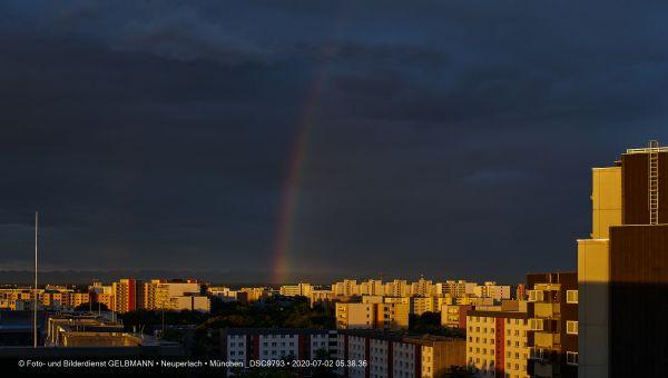 gewitterwolken-ueber-in-neuperlach-muenchen-photographed-by-gelbmann-date-jul-02-2020-time-05-38-36-dsc9793753EACF7-F487-1A7B-0C05-9643830BFEC4.jpg