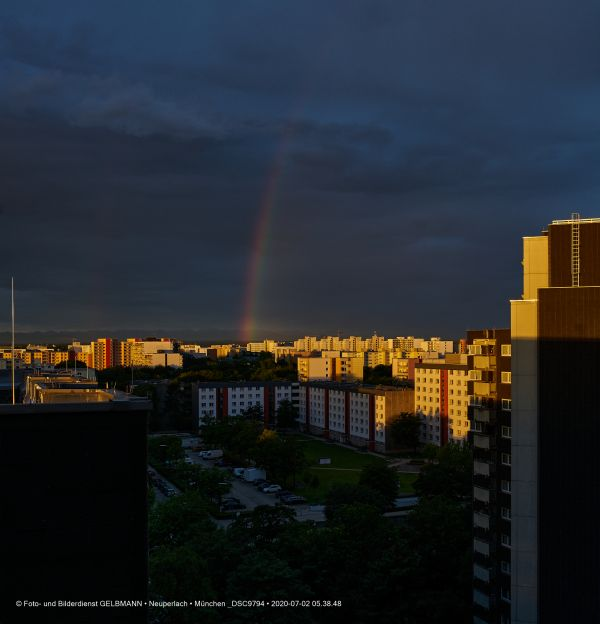 gewitterwolken-ueber-in-neuperlach-muenchen-photographed-by-gelbmann-date-jul-02-2020-time-05-38-48-dsc9794D63BB22B-8D4D-1686-C2A3-35B9078549C6.jpg