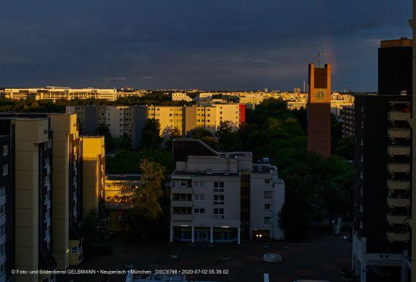 gewitterwolken-ueber-in-neuperlach-muenchen-photographed-by-gelbmann-date-jul-02-2020-time-05-39-02-dsc97988DAB737F-5BCA-8B4F-450B-A876BAD108E7.jpg