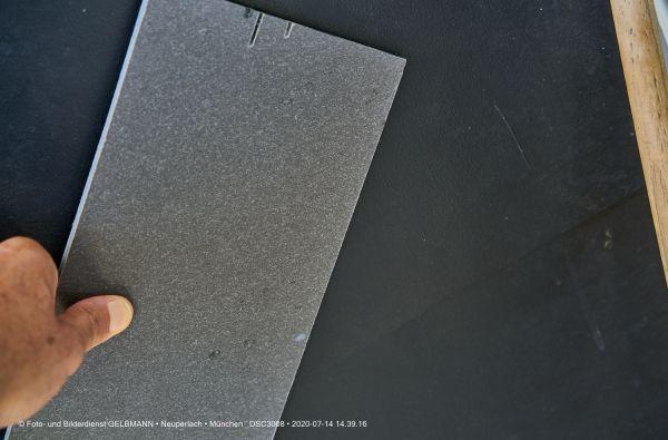 fassadenplatte-in-anthrazit-photographed-by-gelbmann-date-jul-14-2020-time-14-39-16-dsc3008E0A216D3-63A9-4DB0-CF8C-2D55FFB22AEC.jpg