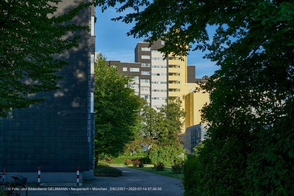 fassadensanierung-am-peschelanger-im-marx-zentrum-photographed-by-gelbmann-date-jul-14-2020-time-07-00-50-dsc2357C0DBCA04-62C0-30A0-C2AA-183C88DF58E8.jpg