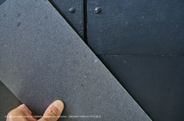 fassadenplatte-in-anthrazit-photographed-by-gelbmann-date-jul-14-2020-time-14-38-37-dsc3004862FE7A2-23A1-1C56-5ACB-39CBE8889BA2.jpg