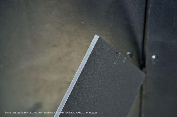 fassadenplatte-in-anthrazit-photographed-by-gelbmann-date-jul-14-2020-time-14-39-35-dsc3012DFA477B9-8F7F-CE9F-111D-D2D2319D1AA0.jpg