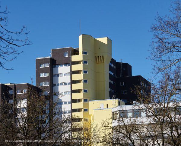 marx-zentrum-neuperlach-von-sueden-fotografiert-muenchen-photographed-by-gelbmann-date-feb-24-2012-time-09-41-40-mg-6385929B522F-C12E-0DD6-A72A-FFE5AD3A2DFE.jpg