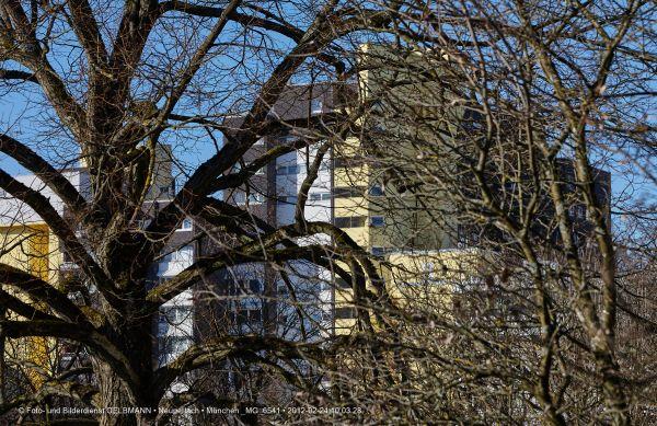 marx-zentrum-neuperlach-von-sueden-fotografiert-muenchen-photographed-by-gelbmann-date-feb-24-2012-time-10-03-28-mg-6541628F7718-3E63-A681-F8FB-0AA9CD2E0584.jpg