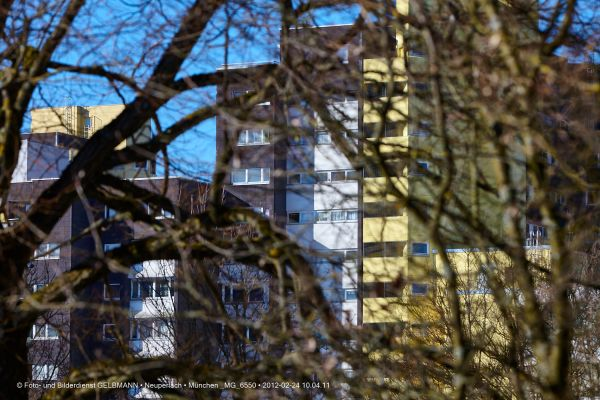 marx-zentrum-neuperlach-von-sueden-fotografiert-muenchen-photographed-by-gelbmann-date-feb-24-2012-time-10-04-11-mg-6550AEB668F9-B75A-426F-ACB6-7C1BA330EE9B.jpg