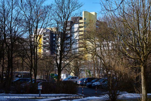 marx-zentrum-neuperlach-von-sueden-fotografiert-muenchen-photographed-by-gelbmann-date-feb-24-2012-time-10-04-59-mg-65533D988B49-6238-06DA-638C-1457C7DD3C44.jpg