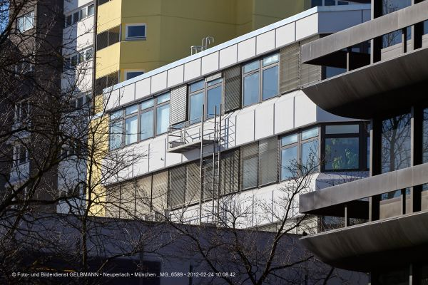 marx-zentrum-neuperlach-von-sueden-fotografiert-muenchen-photographed-by-gelbmann-date-feb-24-2012-time-10-08-42-mg-6589C01D00C5-2EB2-0383-8709-B58C54BF1870.jpg